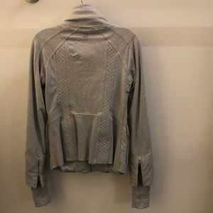 lululemon athletica Jackets & Coats - Lululemon gray jacket, sz 8, 70659